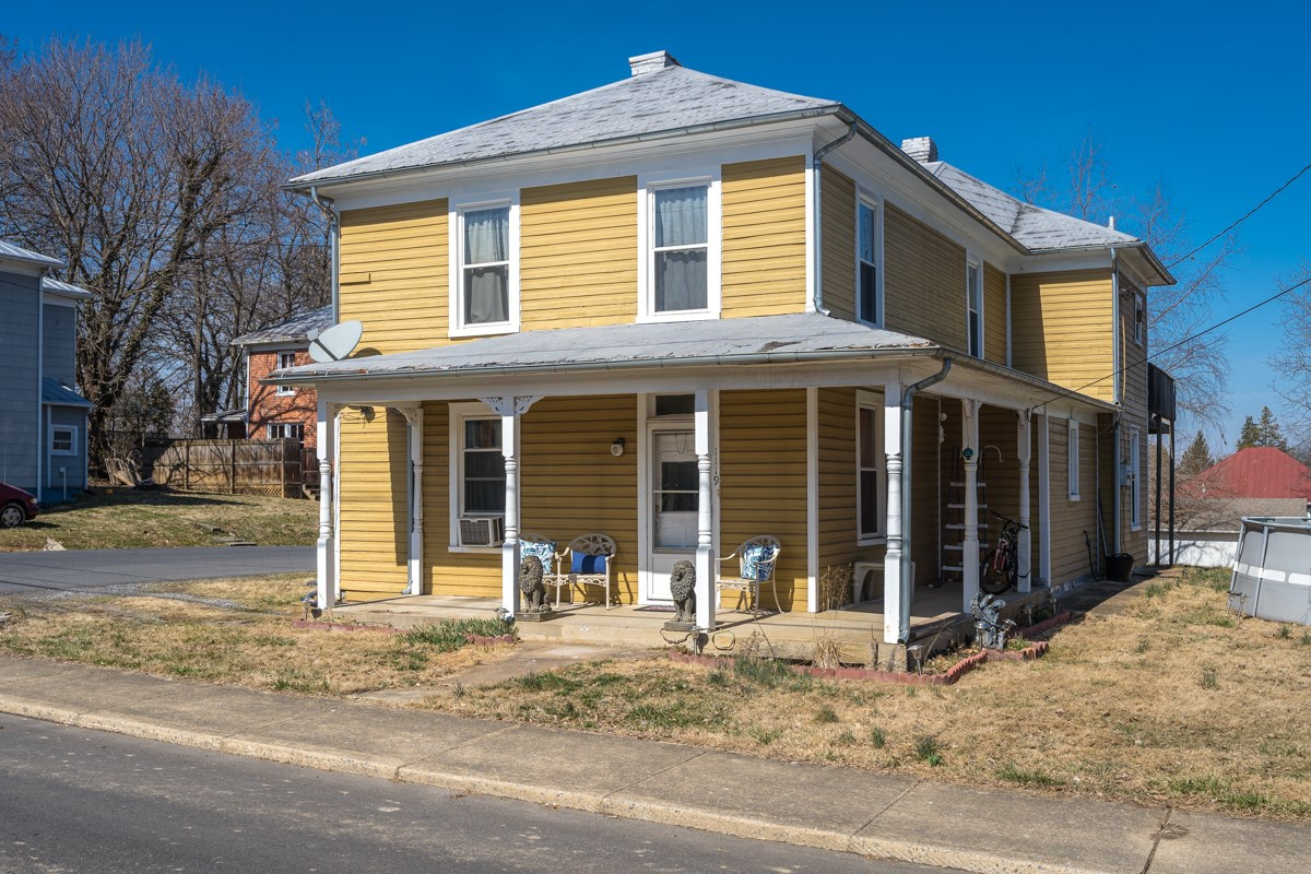 1119 Walnut St, Staunton, Virginia, 24401   Real Estate